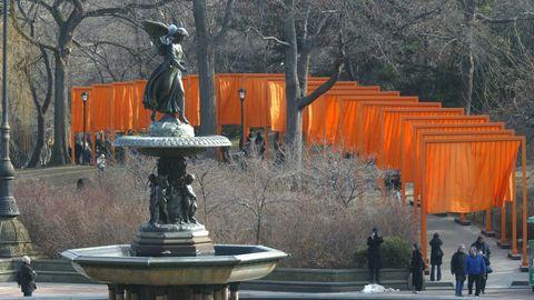 Las telas de color azafrán que instaló en el Central Park neoyorquino en el año 2005