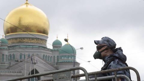 Militares rusos se presentarán voluntarios para probar una vacuna contra el covid