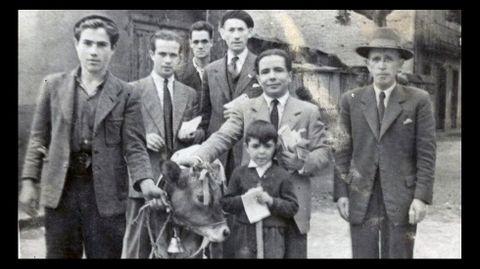Ramistas del San Antonio en el año 1925. En la foto está e presidente de la comisión de fiestas, su hijo Sito, Caballero, Clement y Manolo del cine Capitol
