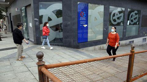 La oficina del INEM de Vilagarcía, aun cerrada