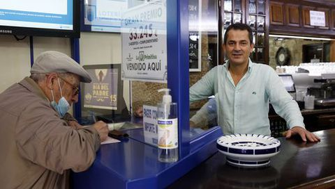 Actividad en un bar de Cambados, donde se selló una primitiva de más de 33.000 euros