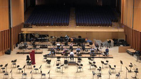 Grupo reducido de los músicos de la Orquesta Sinfónica del Principado de Asturias