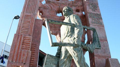 Monumento al emigrante en Fisterra