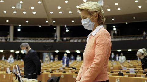 Ursula Von der Leyen, ayer, durante el minuto de silencio por George Floyd en la Eurocámara