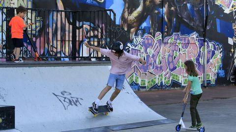 En el parque de Frigsa ya hay una pista de «skate»