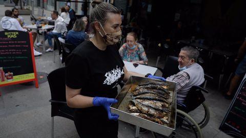 Sardiñada y churrascada en Club Galicia Gaiteira