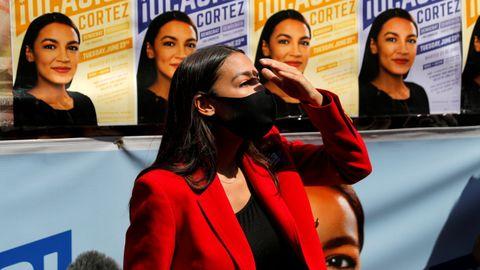 Alexanria Ocasio-Cortez, congresista demócrata por Nueva York, tras su victoria en las primarias del martes