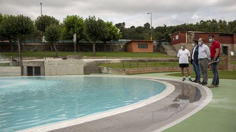 El gobierno municipal supervisó los preparativos en las piscinas de Oira