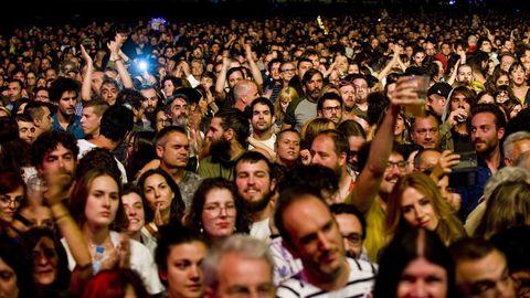 LA IMAGEN QUE NO SE REPETIRÁ: El festival Noroeste no podrá contar este año con la playa de Riazor, en donde el año pasado se reunieron más de 30.000 personas para ver a Patti Smith