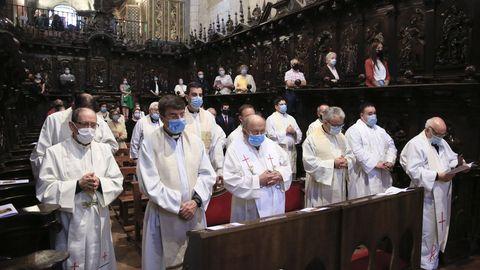 Un número importante de sacerdotes de la diócesis acudieron a la ceremonia.