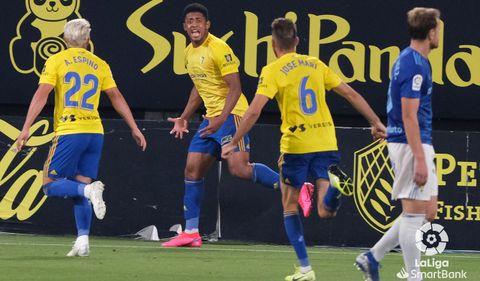 gol Lozano Espino Jose Mari Carlos Hernandez Cadiz Real Oviedo Carranza.Anthony Lozano celebra su gol ante el Real Oviedo