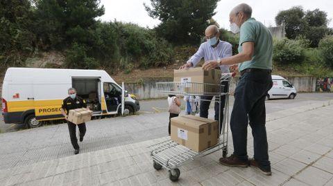 Llegada de los exámenes de selectividad al campus de Elviña en A Coruña