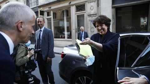 La controvertida Roselyne Bachelot es recibida, este lunes, por el ministro saliente de Cultura, Franck Riester