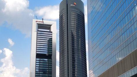 La Torre Cepsa, en Madrid, fue adquirida por Amancio Ortega a traves de su brazo inversor, Pontegadea, en el 2016. Pagó 490 millones de euros.
