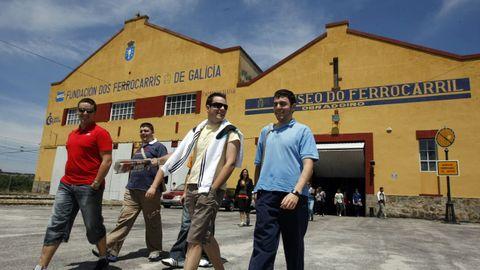 Un grupo de visitantes saliendo del museo ferroviario de Monforte, en una imagen de archivo