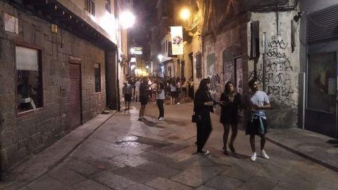 El viernes, en la calle Lepanto, a las dos, las terrazas están retiradas conforme a la decisión municipal
