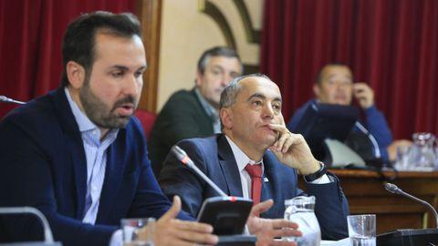 Antonio Ameijide e Ramón Carballo, nun pleno do Concello de Lugo