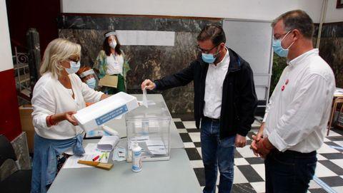 El alcalde de Ferrol, Ángel Mato, con el candidato socialista Manuel Santiago