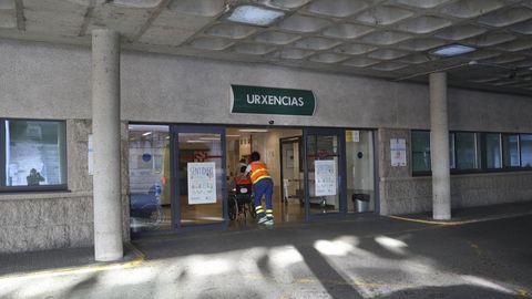 Paciente accediendo al servicio de urgencias del Hospital Clínico de Santiago