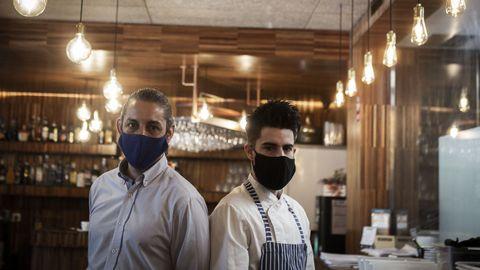 Dani Comensoli y Javier Lago, en el interior del restaurante Ágape