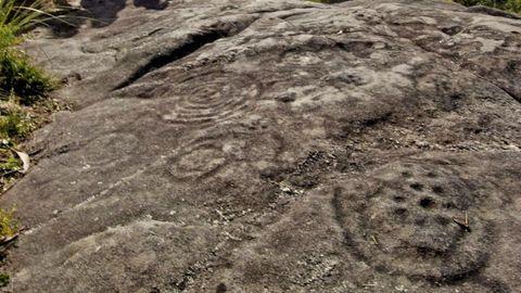Petroglifos concéntricos en A Caeira