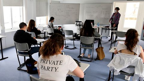Alumnos de segundo de bachillerato preparan el examen de selectividad