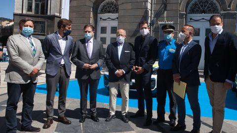 Alfredo Canteli junto a Manuel Terroba, presidente de B,W España y Portugal, y José Luis Fernández, director gerente de Autosa