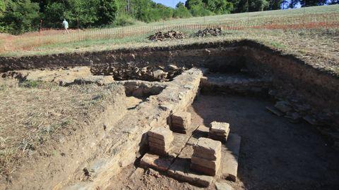 Restos de una villa romana desenterrados hace escasos días en Coea, Castro de Rei