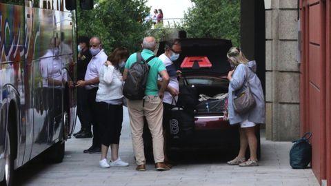 Varios huéspedes abandonan el hotel tras conocerse que varios jugadores habían dado positivo por covid-19