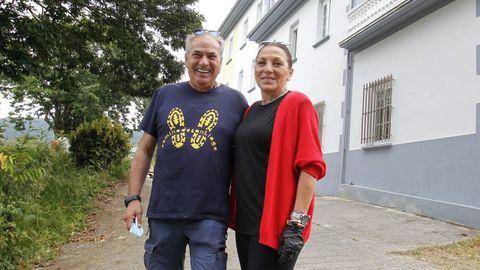 Mario Torres y Belén Jiménez son los promotores del nuevo albergue de peregrinos de Pontedeume