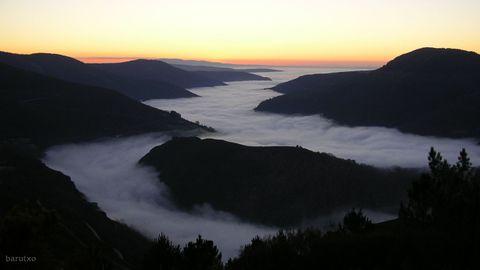 «Val do Lor con néboa», de Álvaro Rodríguez González, recibiu o primeiro premio do certame fotográfico