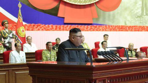 El líder de Corea del Norte, Kim Jong Un, dando un discurso en la VI conferencia nacional de veteranos de guerra