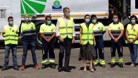 Los reyes, Felipe y Letizia, durante su visita al Centro de Tratamiento de Residuos de Cogersa, en Gijón