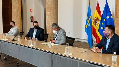 Firma del acuerdo de concertación social en Asturias