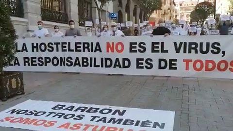 Protesta de los empresarios del ocio nocturno en Oviedo