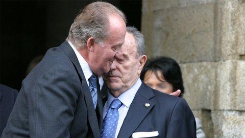 El rey, con Manuel Fraga en Santiago en el 2003
