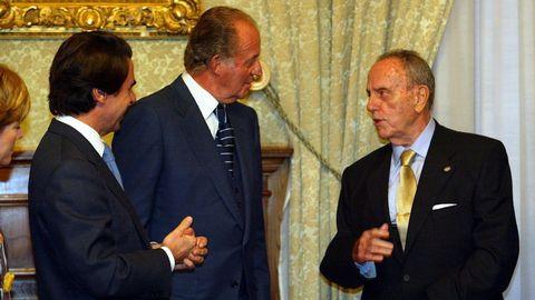 Aznar, Juan Carlos I y Fraga en la reunión del Real Patronato de la Ciiudad de Santiago, en el año 2003