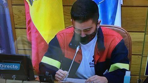 El diputado ribadense del BNG, Dani Castro, con una chaqueta de Alcoa en la constitución del Parlamento