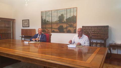 El presidente de la Diputación y el alcalde de Castroverde firmaron el acuerdo