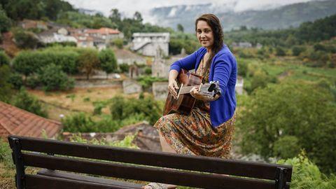 Rebeca busca poner en valor la creación artística en el rural