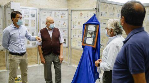 La exposición «Ourense no Camiño Sanabrés» está en el edificio de Correos