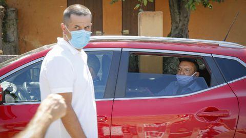 Jaime Fontanes y Francisco Pérez, los tránsfugas de Castrelo, fueron increpados a su salida del pleno