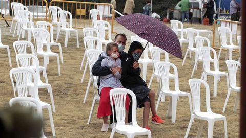 En la mayoría de las misas quedaron muchas sillas vacías