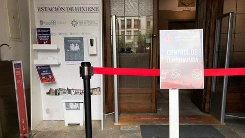 O centro de hixiene, a alfombra desinfectante e o control de temperatura, á entrada dos museos.