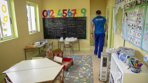 Entre otras obras, en la escuela de Comoxo están liberando un aula para ganar más espacio