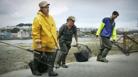 Imagen de archivo de mariscadores en un día de faena