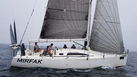 El Mirfak, el velero de la Armada que fue atacado por las orcas