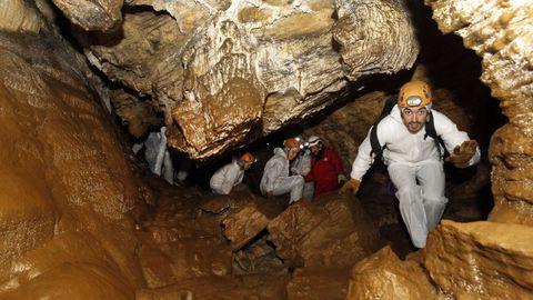 Para disfrutar de experiencias únicas, la visita a la  cueva del Rei Cintolo en Mondoñedo