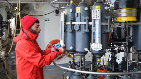 Marcos Fontela durante una campaña de investigación océanica