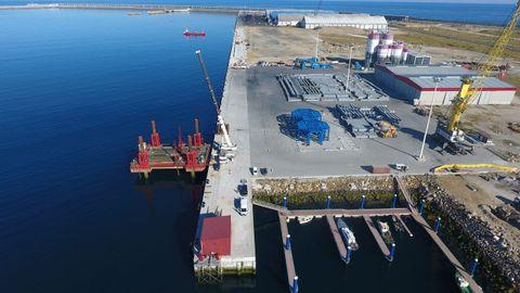 La Autoridad Portuaria de A Coruña lidera los tráficos en Galicia. Foto de archivo, con una vista aérea del nuevo muelle del puerto exterior